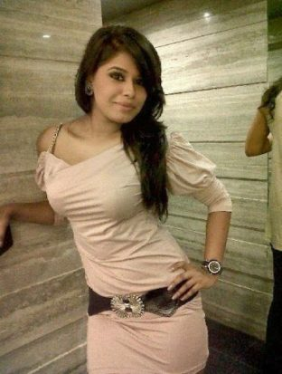 (09958916872) Escort Service In Hotel Radisson Blu MBD Call Girls Noida